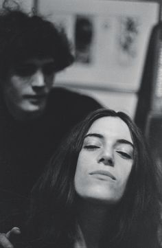 Photos of Robert Mapplethorpe and Patti Smith When They Were 'Just Kids' Patti Smith Robert Mapplethorpe, Abandoned Film, Just Kids, Film Anime, Become A Photographer, Intimate Photos, Nude Portrait, Street Portrait, Shooting Photo