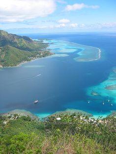 Opunohu Bay, Tahiti