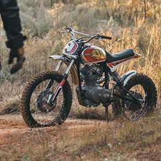 "615 To se mi líbí, 8 komentářů – BikeBound (@bikeboundblog) na Instagramu: ""@fullermoto's Ducati 250 Scrambler, shot by @matthewjonesphoto and featured now on @bikeexif.…"""