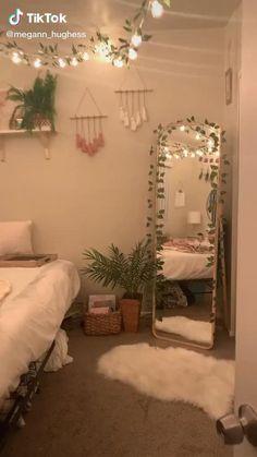 Cute Bedroom Decor, Room Design Bedroom, Room Ideas Bedroom, Girls Bedroom, Cheap Room Decor, Bedroom Ideas For Small Rooms For Teens, Bedroom Inspo, Square Bedroom Ideas, Bedroom Decor Diy On A Budget