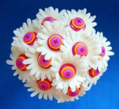 Button bouquet for tossing