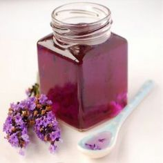 Sirop de lavande maison - How To Make Lavender Syrup is wonderful poured over ice cream, fruit tarts, in chilled teas, lemonade or even added to cocktails. Pease Pudding, Salsa Dulce, Lavender Recipes, Edible Flowers, Simple Syrup, Gelato, Food Storage, Sour Cream, Ice Cream