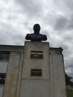 """Busto a José María Carbonell. 1778-1816. """"Gran inspirador de masas del 20 de Julio"""" en la Escuela Militar de Cadetes """"General José María Córdova"""" (ESMIC) del Ejército de Colombia. Bogotá- Colombia"""