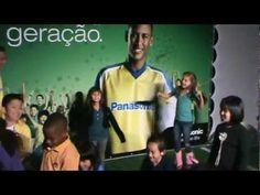 Neymar bate bola com as crianças.  Vídeo feito para propaganda da Panasonic com a bola promocional produzida pela Saturno Brindes.