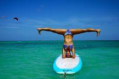 Aruba introduceert nieuwste sporthype Stand up Paddle Board Yoga Sup Stand Up Paddle, Sup Paddle, Sup Surf, Paddle Board Yoga, Standup Paddle Board, Stand Up Paddling, Sup Yoga, Bikram Yoga, Partner Yoga