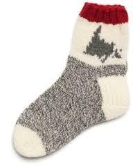 Picture end result for newfoundland knitting patterns for slippers Loom Knitting, Knitting Socks, Knitting Patterns Free, Free Knitting, Crochet Patterns, Knit Socks, Knitting Videos, Free Pattern, Fun Socks