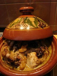 Marinated Chicken With Tutti Frutti From The Tajine recipe Smulweb.nl - Marinated Chicken With Tutti Frutti From The Tajine recipe Smulweb. Real Food Recipes, Chicken Recipes, Yummy Food, Tajin Recipes, Morrocan Food, Couscous Recipes, Food Platters, Marinated Chicken, Tutti Frutti