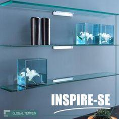 Belas e funcionais, as prateleiras de vidro trazem leveza e sofisticação a qualquer ambiente.