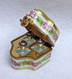 T: Authentic French Limoges Box Scenter Floral Chest Roses Jeweled Perfume Bottles Antique Perfume Bottles, Vintage Perfume Bottles, Bottles And Jars, Glass Bottles, Perfumes Vintage, Beautiful Perfume, Vase, Trinket Boxes, Antique Furniture