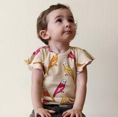 Camiseta Papagayos - Mini Rodini - POR MARCA  29€ aprox.  Estocolmo kids. Online.