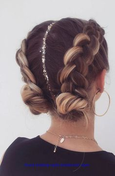 Pretty Braided Hairstyles, Easy Hairstyles For Long Hair, Teen Hairstyles, Natural Hairstyles, Braided Hairstyles For Short Hair, Two Buns Hairstyle, Cute Hairstyles For Summer, Wedding Hairstyles, Plaits Hairstyles