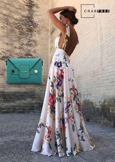 Luce radiante y lleva el mejor outfit con el verde esmeralda. Tienda online un bolso súper elegante (: #Lucequieneres #Crabtreelovers