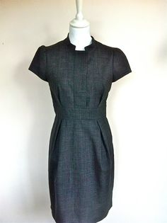 Tara Jarmon Grey Dress Size 38 via The Queen Bee. Click on the image to see more!