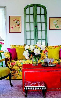 I Love interior design! What I love about bohemian interior design is how you can add an abundance of colors with accessories and furniture. Colourful Living Room, Living Room Colors, Living Room Decor, Living Spaces, Colorful Rooms, Bedroom Decor, Sweet Home, Colorful Interiors, Colorful Decor