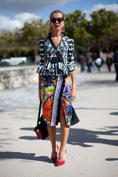 STREET STYLE SPRING 2013: PARIS FASHION WEEK - Natalie Joos takes her prints mixed.
