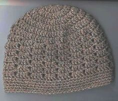Very quick DC skullie which can be easily varied with stripes. A twinstitch variation is given too.
