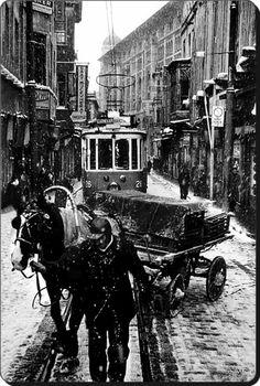 Sirkeci Istanbul 1956 Fotoğraf: Ara Güler