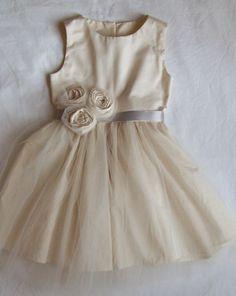Flower girl dress. adorable!