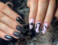 #snake #nails #bubble #bubblenails #fashion #luxury #luxurynails #dragonnails #blacknails Bubble Snake, Dragon Nails, Bubble Nails, Long Nail Designs, Luxury Nails, Black Nails, Nail Inspo, Long Nails, Bubbles