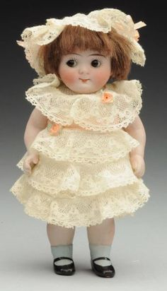Lot # : 125 - Saucy All-Bisque Googly Doll.