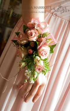 25 Best Bridesmaid Corsages : Something Different and Pretty #corsages There are a lot of unique approaches to give flowers for prom. It is crucial to understand what flower you're going to use as traditionally, flowers have various meanings. The sort of flower to be used will help determine the cost too. The most popular sort of flower are roses since they are usually regarded as romantic and classic.