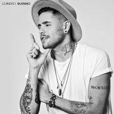 ♥ Leandro Buenno aposta no retrô para o Lançamento de novo EP ♥  http://paulabarrozo.blogspot.com.br/2016/03/leandro-buenno-aposta-no-retro-para-o.html