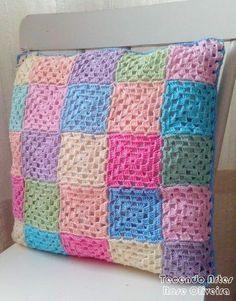 elisa design-love the colors. Granny Square Crochet Pattern, Crochet Blocks, Afghan Crochet Patterns, Crochet Squares, Crochet Motif, Crochet Cushion Cover, Crochet Cushions, Crochet Pillow, Crochet Home