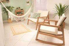 A primeira regra para montar um cantinho zen na varanda é pensar em como ela pode transmitir conforto e aconchego sem se tornar um ambiente lotado e abarrotado de coisas.