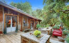 Daryl Hannah's $5 million Off-Grid house that was for sale in Malibu (2012)