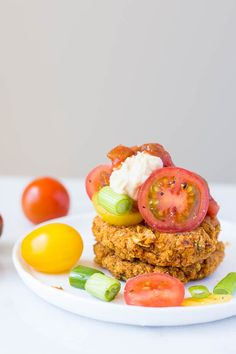 Mexican Falafel: These gluten free and vegan homemade falafel are baked until crispy and full of fresh flavors! Perfect for a Meatless Monday dinner! || fooduzzi.com recipe