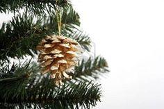 arreglos navideños con piñones de pino - Buscar con Google