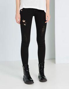 Bershka Colombia - Jeans BSK con rotos