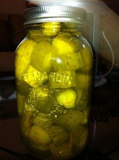 Sweet Pickles, one of the best sweet pickle recipes in my collection and one of the best I have ever tasted. This is one of those old, old recipes shared by a lady that made really great pickles. Very easily made and not as time consuming as it sounds. Old Recipes, Canning Recipes, Vintage Recipes, Recipies, Canning Tips, Best Sweet Pickle Recipe, Sauce Creme, Canning Pickles, Homemade Pickles
