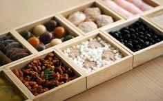 Osechi box with sweets, HIGASHIYA