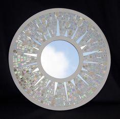 Mosaic mirror by Sally Kinsey Cd Mosaic, Mosaic Artwork, Mirror Mosaic, Mirror Art, Diy Mirror, Mosaic Glass, Glass Art, Mosaic Art Projects, Mosaic Crafts