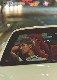 taemin asleep as jongin drove them home after a work trip to japan Onew Jonghyun, Lee Taemin, Minho, K Pop, Bad Boy Entertainment, Rapper, Kim Kibum, Being Good, Korean Star