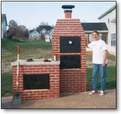 A brick smoker/grill combo. Electric Barbecue Grill, Bbq Grill, Outdoor Oven, Outdoor Cooking, Outdoor Grilling, Backyard Bbq Pit, Brick Grill, Bbq Pit Smoker, Best Gas Grills