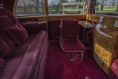 Bandana Hairstyles For Long Hair, Rolls Royce Limousine, Classic Rolls Royce, Rolls Royce Phantom, Car Interiors, Rear Seat, Surrey, Buick, Cadillac