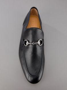Gucci Leather Loafer in Black for Men.