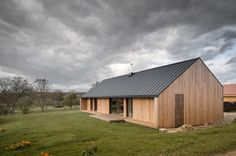 Modern House Design : Maison Simon by Mathiew Noel and Elodie Bonnefous Architectes Metal Building Homes, Building A House, Casas Containers, Apartment Entryway, Rural House, Lobby Design, Modern Barn, Metal Buildings, Design Case