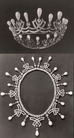from Fersman catalogue of the imperial jewels: these belonged to Empress Marie Feodorovna.