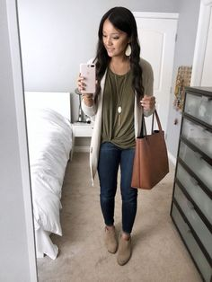 Cardigan and Twist Tee Booties Outfit Source by outfits Booties Outfit, Tan Booties, Olive Green Pants Outfit, Green Top Outfit, Olive Pants Outfit, Dark Jeans Outfit, Green Tee, Outfit Ideas, School Outfits