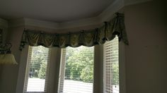 Great French pick up valances with 2 1\2 Shutter blinds in this Sunny and nook sleek and modern blinds with motors holes in the slats