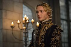 Toby Regbo Reign, King Francis Of France, Reign Season 3, Reign Hairstyles, Reign Tv Show, Tv Series 2013, Reign Mary, Reign Dresses, Reign Fashion