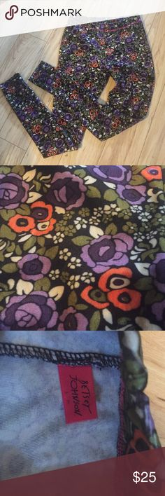 Betsy Johnson velvet leggings Awesome velvet floral leggings. Labeled small/medium, but too small for a medium. Betsey Johnson Pants Leggings