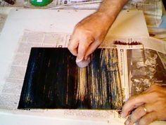 Limando o betume com a boneca de bombril Wood Crafts, Diy And Crafts, Arts And Crafts, Diy Cutting Board, Butcher Block Cutting Board, Pintura Patina, Decoupage, Craft Bags, Recycled Furniture