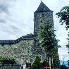 Rapperswiler Castle #rapperswil #castle #swiss #switzerland #stgallen #zürich #zuerich  M Y  H A S H T A G :: #pdeleonardis C O P Y R I G H T :: @pdeleonardis C A M E R A :: iPhone6  #visitzurich #ourregionzurich #Zuerich_ch #igerzurich #Züri #zurich_switzerland #ig_switzerland #visitswitzerland #ig_europe #wu_switzerland #igerswiss #swiss_lifestyle #aboutswiss #sbbcffffs #ig_swiss #amazingswitzerland #loves_switzerland #switzerland_vacations #pictureoftheday #picoftheday #blickheimat…