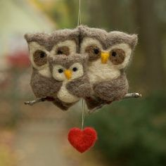Robot Toy Owl family Noferin Jibibuts Poli Wood Toy Sasha the Lioness Plush Doll, Wool Felt Designer Toy, Ready to Ship birds Needle Felted Owl, Owl Quilts, Owl Bags, Owl Family, Felted Wool Crafts, Felt Owls, Owl Ornament, Owl Crafts, Felt Christmas Ornaments