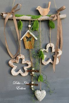 ♥ ** Width: longest length from As . Window decoration ♥ … spring decoration … ♥ ** Width: longest length from branch: Diy Arts And Crafts, Wood Crafts, Diy Crafts, Lampe Art Deco, Spring Decoration, Branch Decor, Heart Crafts, Diy Ribbon, Valentines Day Decorations