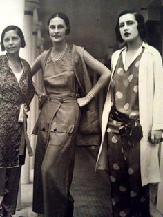 Elsa Shiaparelli in the middle